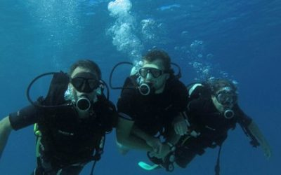 Can you scuba dive without being certified?