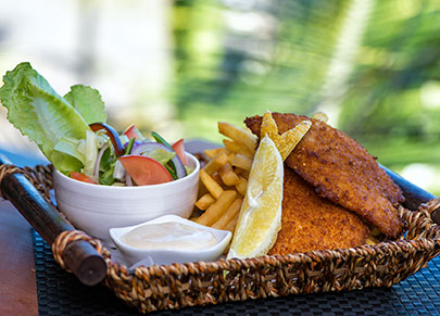 FISH-AND-CHIPS-Mantaray-Island-Resort-Dining-DSC2116-405_291