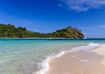Nanuya-Balavu-Island-Fiji-Guided-Island-Treks-800_575-440x310