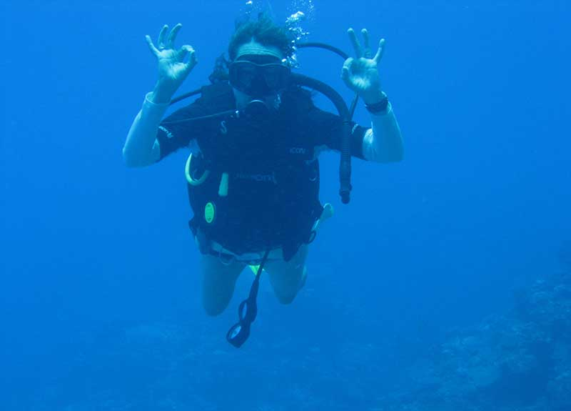 Diving-Certification-Fiji-800_575